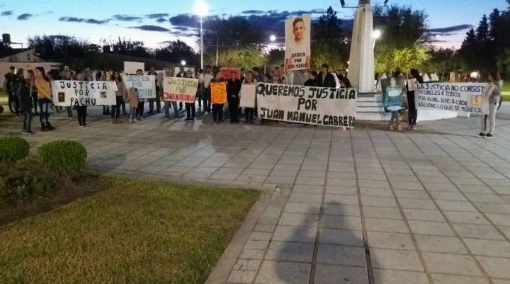 """NO NOS DEJEN SOLOS, QUEREMOS JUSTICIA PARA JUAN MANUEL"""