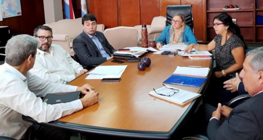 La provincia ultima detalles de los operativos que se realizarán para distribuir la Tarjeta Alimentar