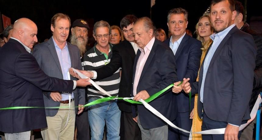 Bordet en la apertura de la Expo Apícola Maciá