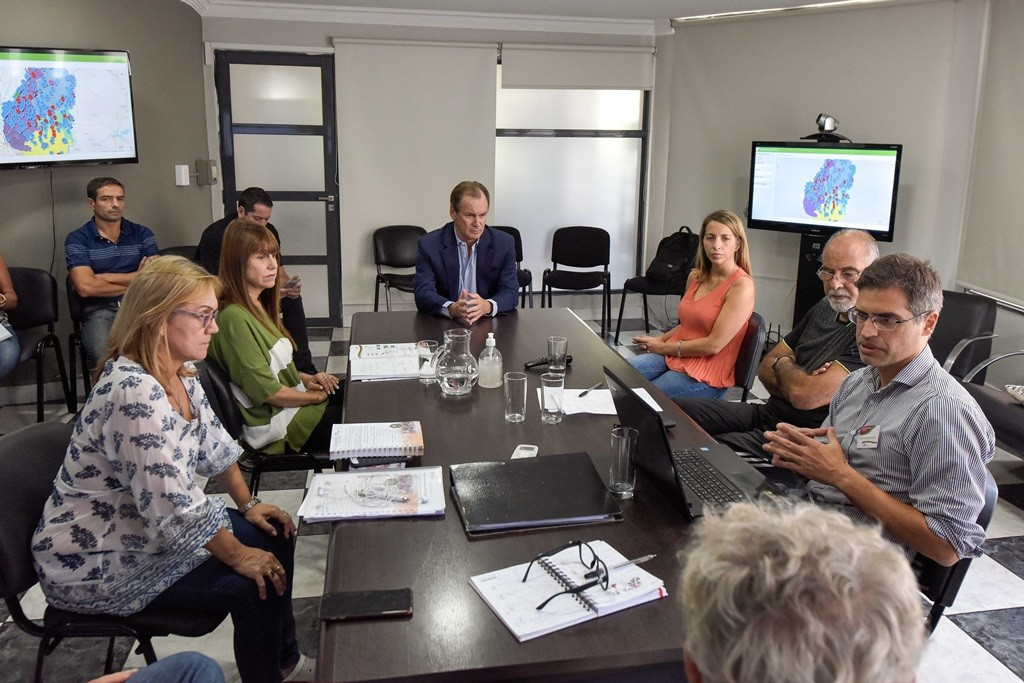 Bordet visitó la Sala de Situación de Salud y dijo que se trabaja para la siguiente fase del coronavirus