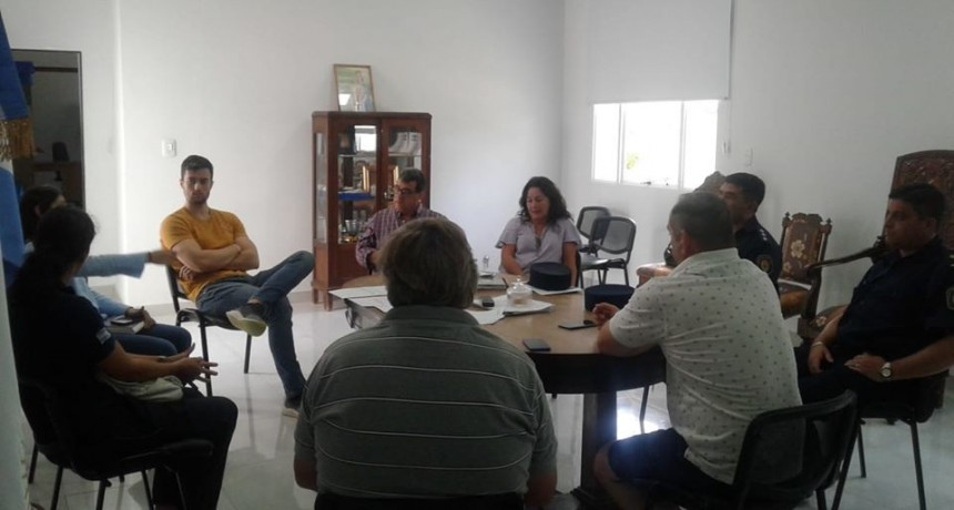 REUNIÓN EN LA MUNICIPALIDAD DE LUCAS GONZÁLEZ