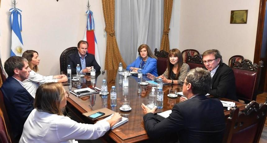 El gobierno provincial gestionará la habilitación de más rubros de la actividad económica