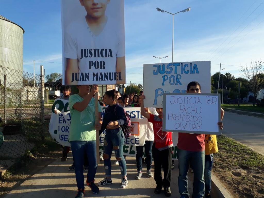 MAS DE 200 PERSONAS EN LA MARCHA QUE PIDIÓ JUSTICIA POR JUAN MANUEL CABRERA