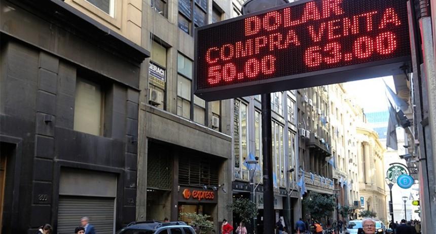 El dólar comenzó a cotizar en suba: Se vende a $63 en el Banco Nación