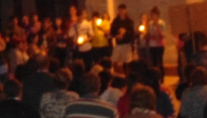 Multitudinaria marcha a favor del Padre Juan Diego