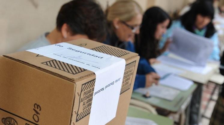 La ministra Romero confirmó el desdoblamiento de las elecciones